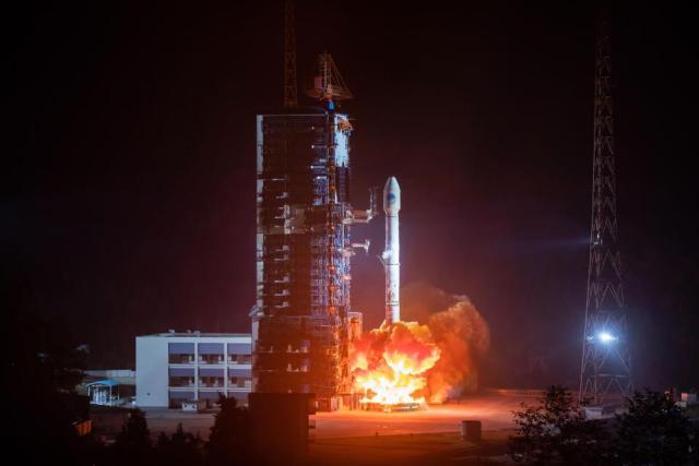 La Chine a lancé deux satellites en novembre pour participer à la mission lunaire de janvier. Crédit: Getty