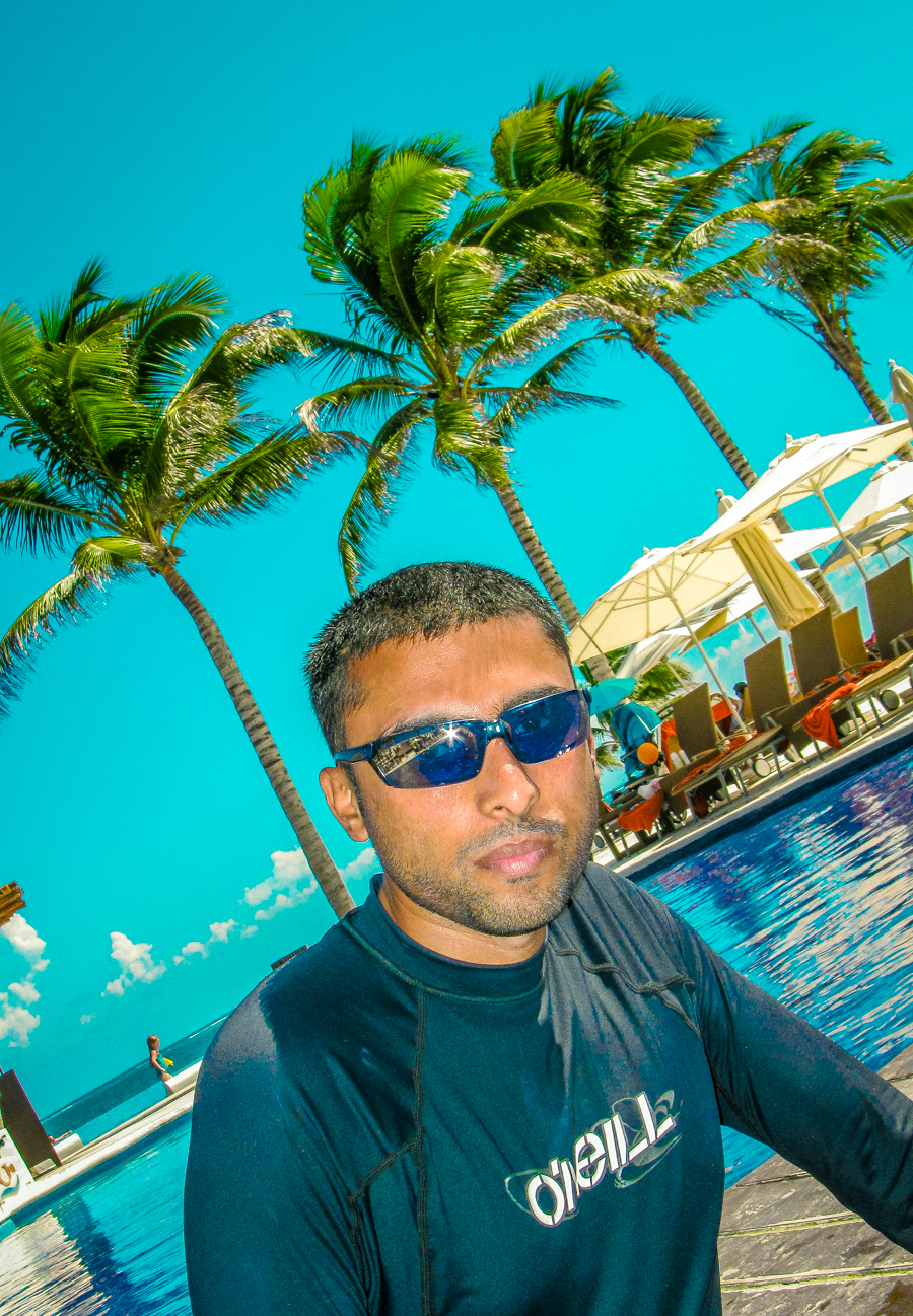 Holiday In Mexico - Sukh chills by the pool