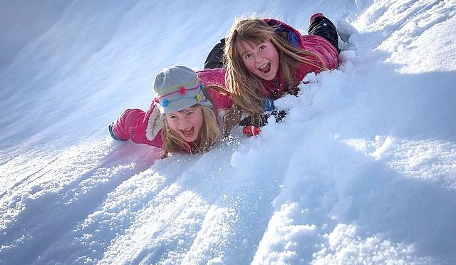 """La settimana bianca è divertente in Alpe Cimbra: la """"family valle"""" del Trentino"""