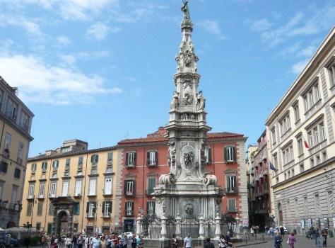 Piazza-del-Gesu-Nuovo-Napoli