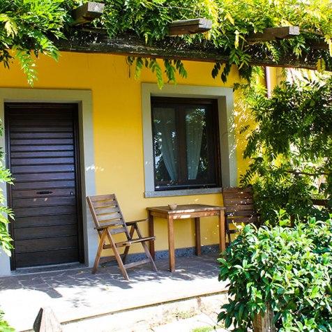 agriturismo_valle_di_vico_appartamento-camera-picchioverde-e