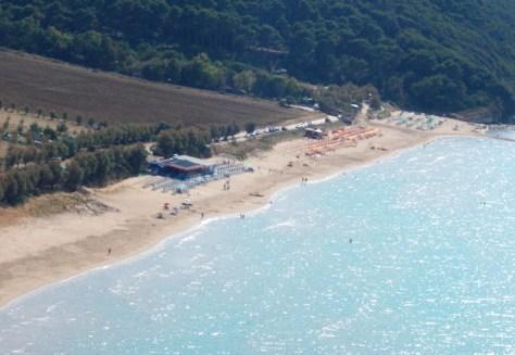 vacanze puglia gargano bambini  vista della spiaggia di Calenella