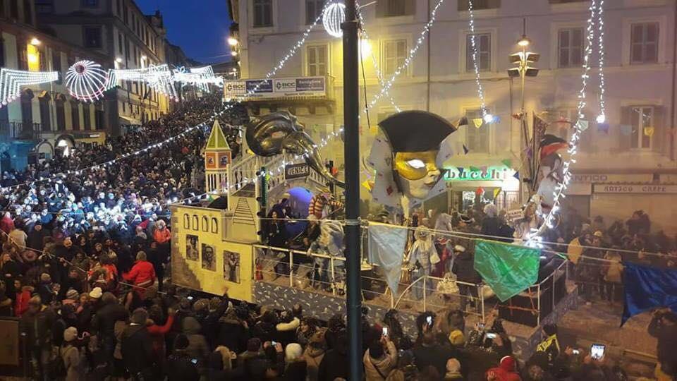 ronciglione_carnevale_piazza