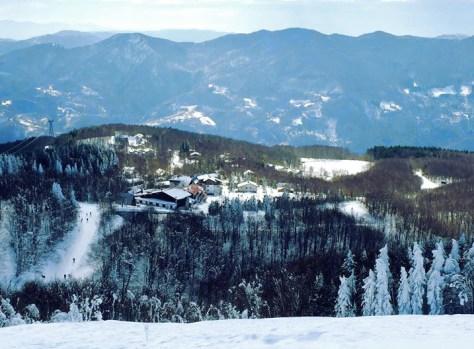 Dove sciare con i bambini in Toscana ed Emilia Romagna Appennino tosco emiliano Comprensorio sciistico Doganaccia