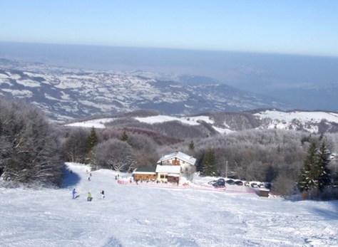 Dove sciare con i bambini in Toscana ed Emilia Romagna Appennino tosco emiliano Comprensorio sciistico Mocogno-vista