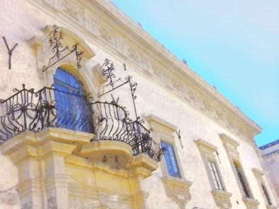 Scicli-balconi barocchi