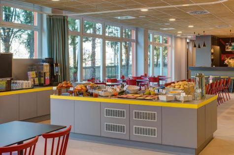 milano con i bambini - meininger hotel breakfast