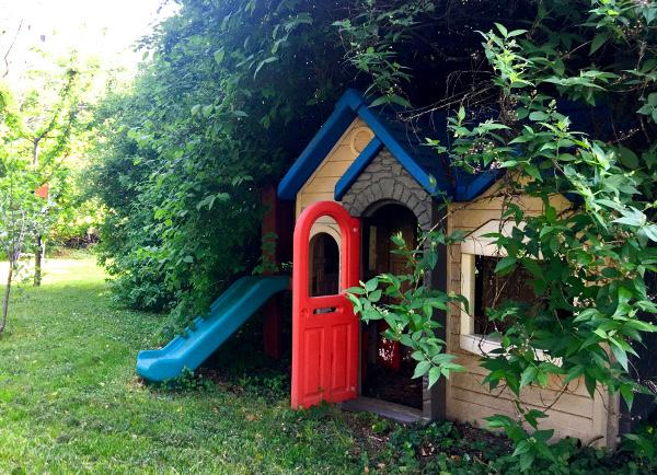 Casetta gioco in giardino alla Casa di Scorta, Bergamo