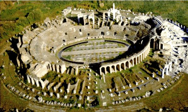 Caserta-Anfiteatro-Capua-Vetere-vista-dallalto