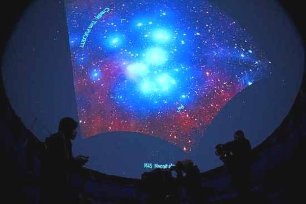 Caserta-Planetario-proiezioni2