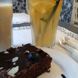 Brownie, iced tea lemonade and frappe latte