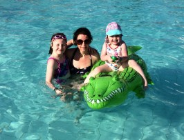 Family fun in the pool at Spiaggia e Mare Holiday Park in Italy