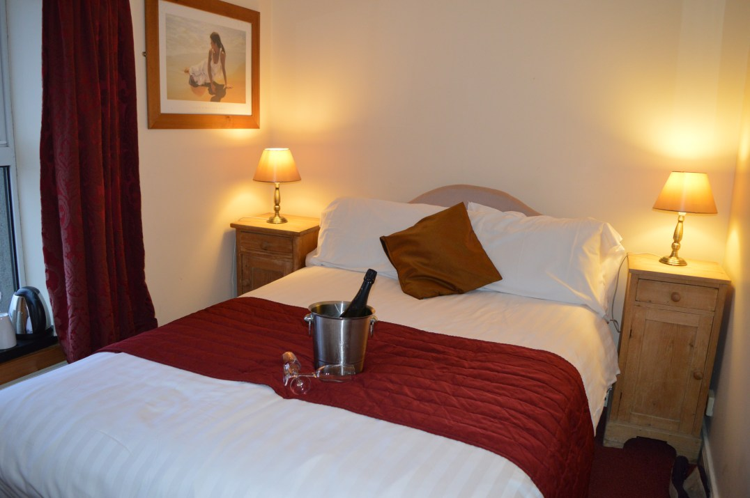 Double room with seaview at Smugglers Creek Inn, Rossnowlagh