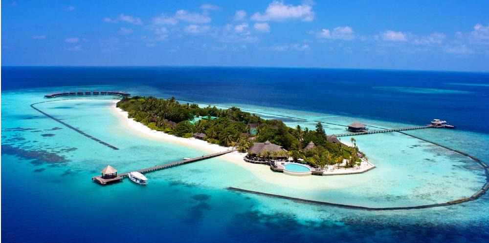 TOP 18 - Budget Travel Tips - Komandoo Island Resort