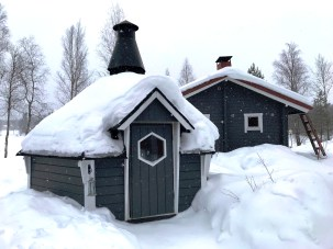 Sauna and BBQ Hut at A Cosy Cottage by the River in Rovaniemi