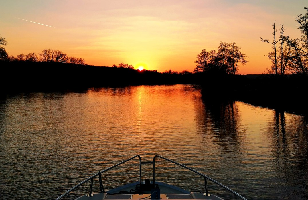 Sunset aboard Le Boat Crusader in Henley-on-Thames