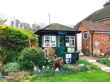 Lock Keeper's hut at Cleeve Lock