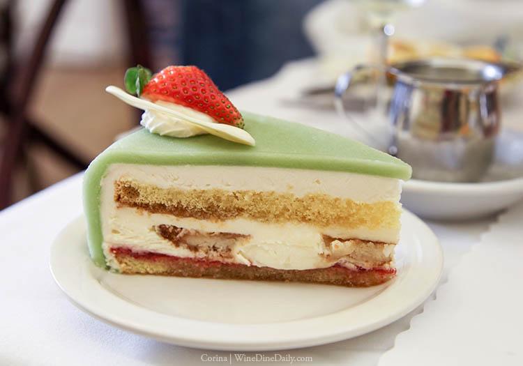 andersens-marzipan-cake