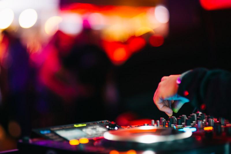 DJ turtables