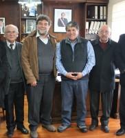 Equipo ARPA Temuco,  Alcalde de Carahue, señor Pedro Vera, DAEM, señor  Luis Araneda