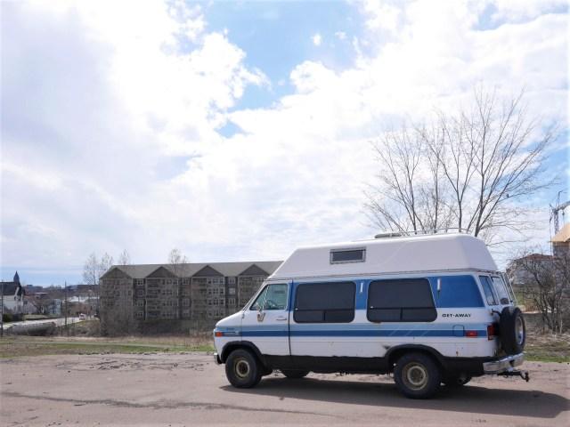 bref j 39 ai achet un van. Black Bedroom Furniture Sets. Home Design Ideas