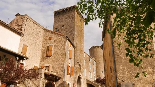 Aveyron Sainte eulalie de cernon blog voyage arpenter le chemin