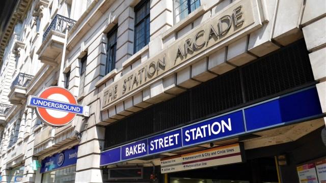 Baker Street metro Sherlock Holmes Arpenter le chemin