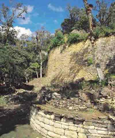 Cajamarca: Asfaltarán último tramo de corredor turístico que conecta con Kuélap