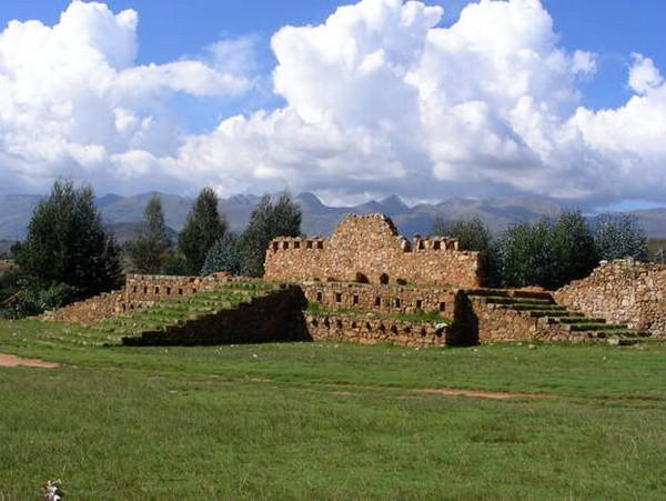 Es necesario S/. 137 mil para proteger de las lluvias al complejo Wiracochapampa, La Libertad, Perú
