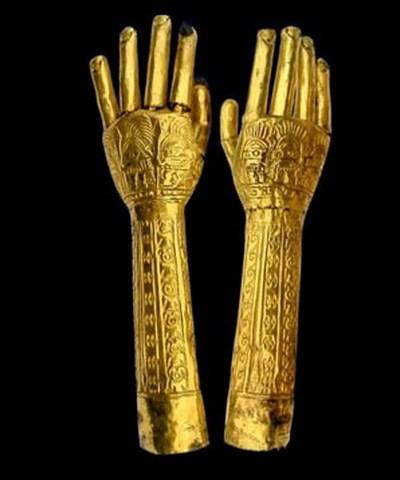 Brazos Escultóricos de Oro