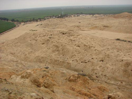 Basura y huaqueo afectan complejo arqueológico Mocollope en Ascope, La Libertad