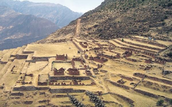 Huchuy Qosqo, una fortaleza escondida camino al Urubamba, Cusco, Perú