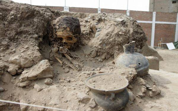 Hallan once tumbas preincas en la Videna en San Luis