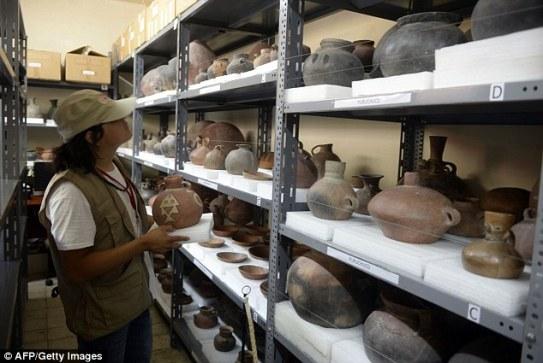 Discover-mummified-pre-inca-baby-Puruchuco-Huaquerone-81