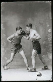 Fotos de estudio Martin Chambi Boxeadores en el Estudio Brasil