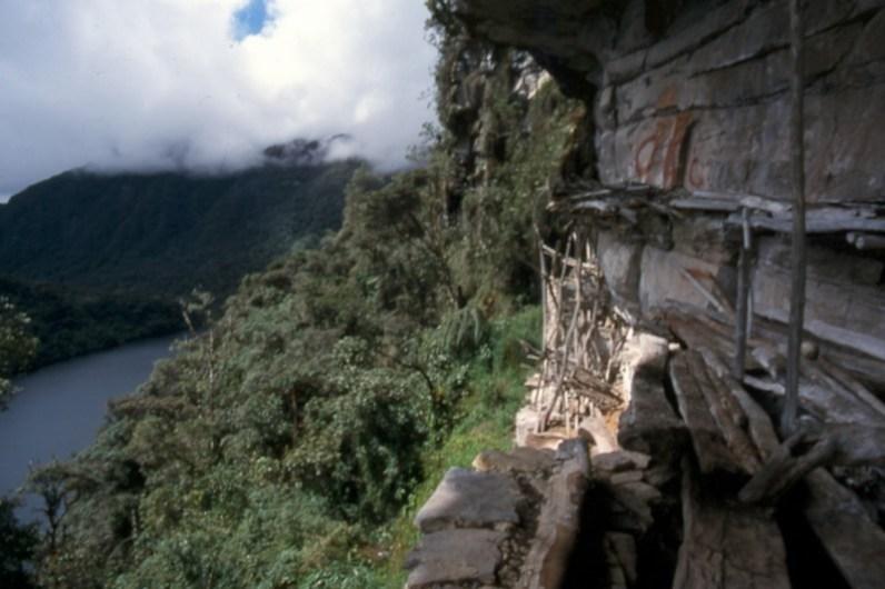chullpas-Laguna-de-los-Condores