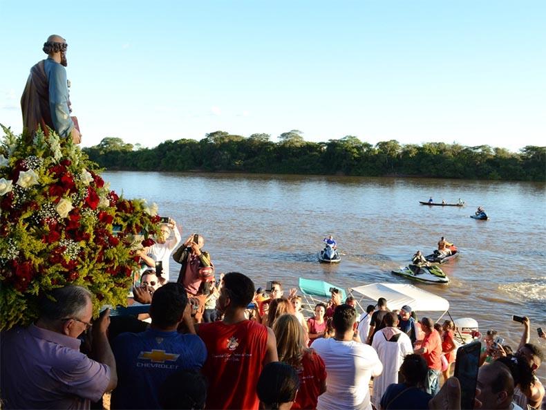 Tradicional procissão fluvial suspensa em 2020 (imagem: CidadeVerde)