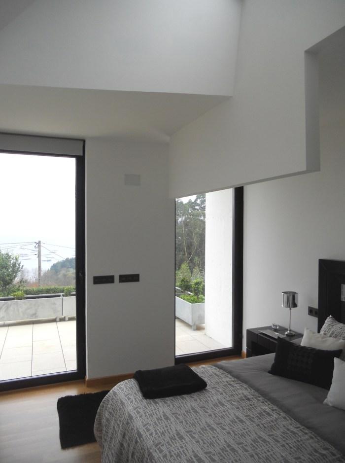 arquitecto-porto-beluso-bueu-lucernario-dormitorio