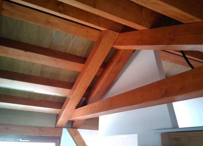 arquitecto-marin-estructura-cercha-vivienda-rehabilitacion-madera-claraboya-curras