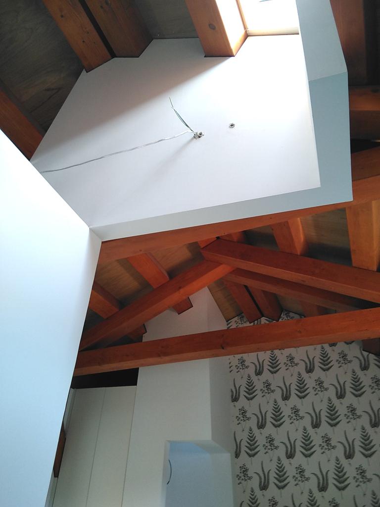 arquitecto-marin-estructura-madera-espacio-luminoso-curras