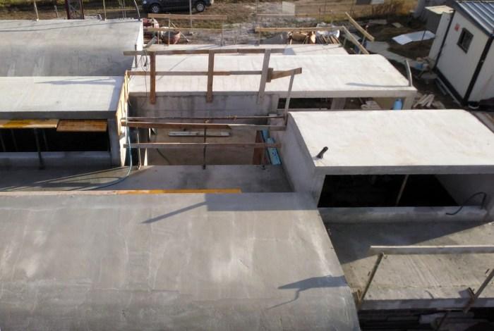 vivienda-diseno-santiago-compostela-arquitecto-cangas-cubierta-claristorios-volumenes-lucernarios