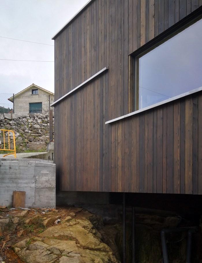 lucernario-casa-madera-meira-rehabilitacion-rodrigo-curras-torres-arquitecto