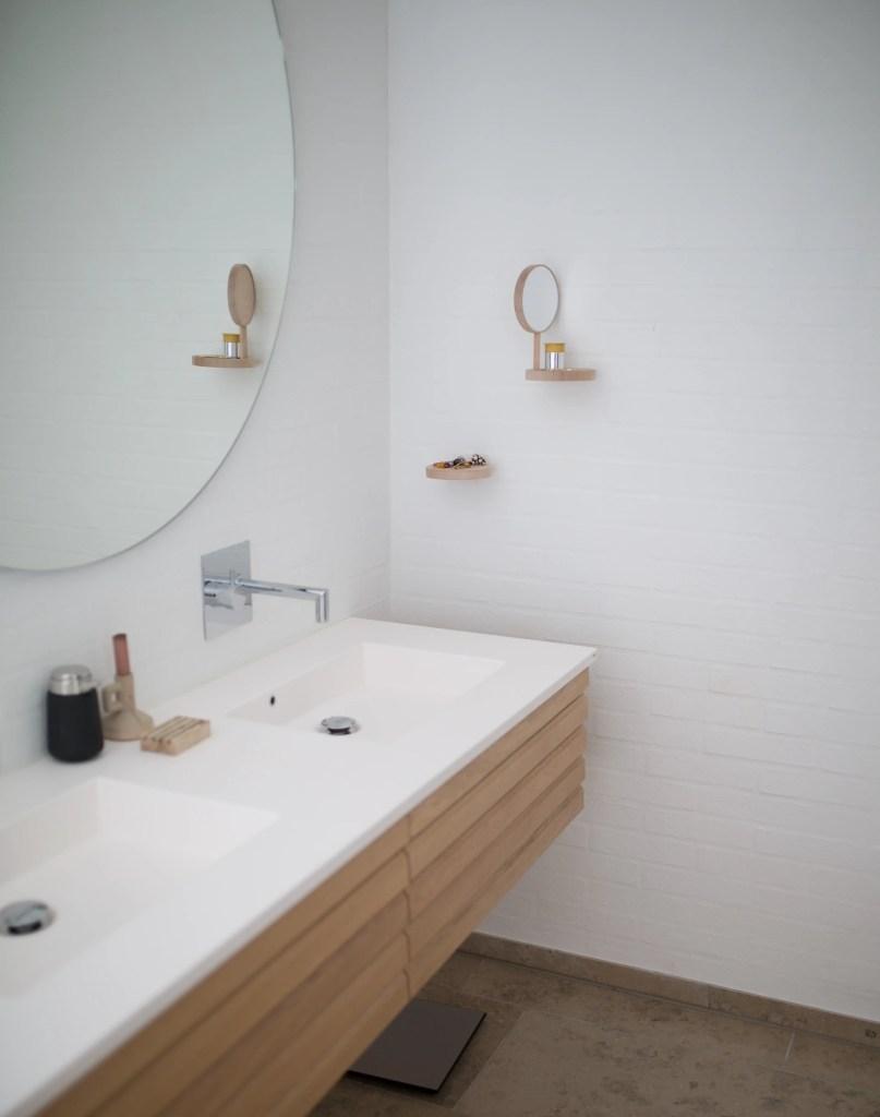 Mueble de lavamanos doble para baño pequeño