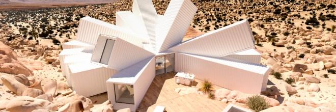 Esta casa de contenedores de Whitaker Studio parece una flor en medio del desierto