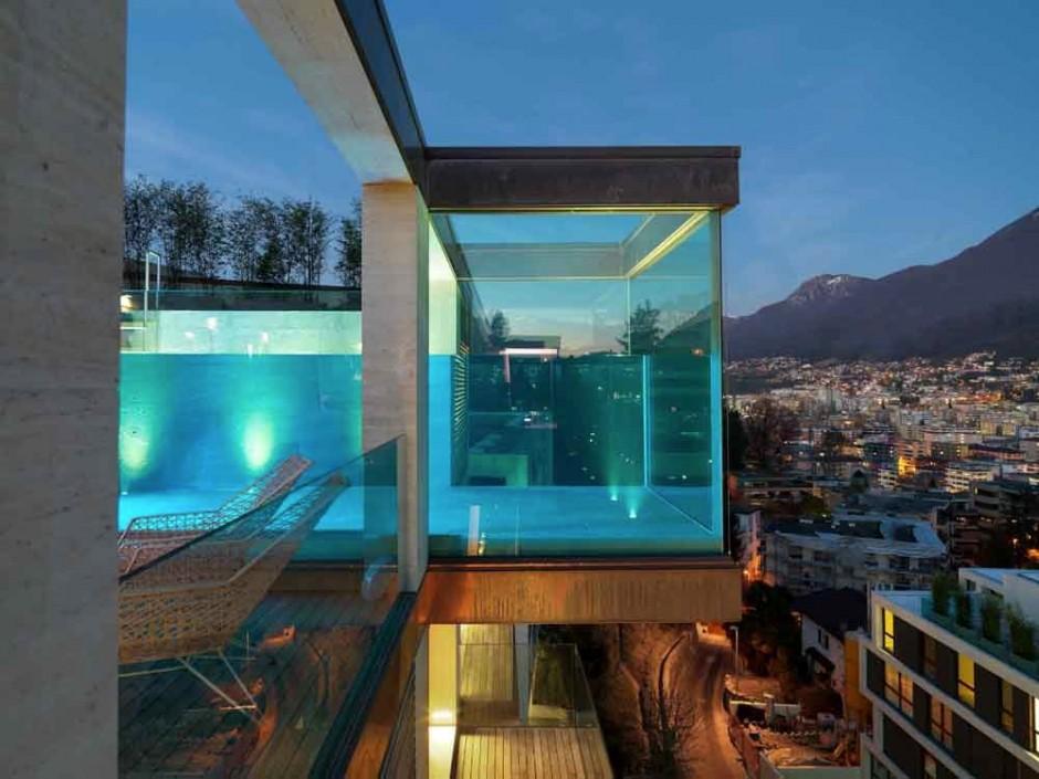 Urbanización de lujo con una fachada hecha de cubos de cristal 7