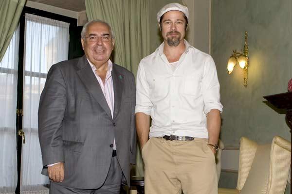 El actor estadounidense Brad Pitt, junto al presidente del Principado de Asturias, Vicente Álvarez Areces. (Imagen: Alberto Morante / EFE)