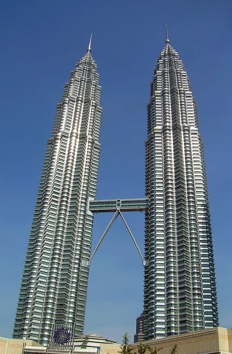 640px-KLCC_twin_towers1