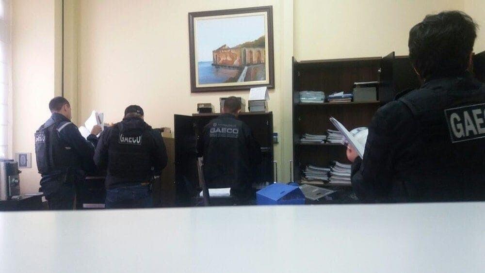 Câmara Municipal de Antonina é alvo de operação que investiga fraude em contratação de serviços 2