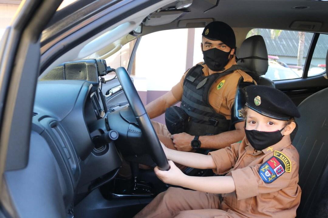 Policial Mirim por um dia – PM realiza sonho de criança em Paranaguá 8