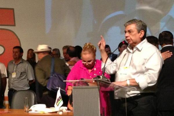 Garibaldi Filho faz pronunciamento durante a convenção nacional do PMDB, em Brasília